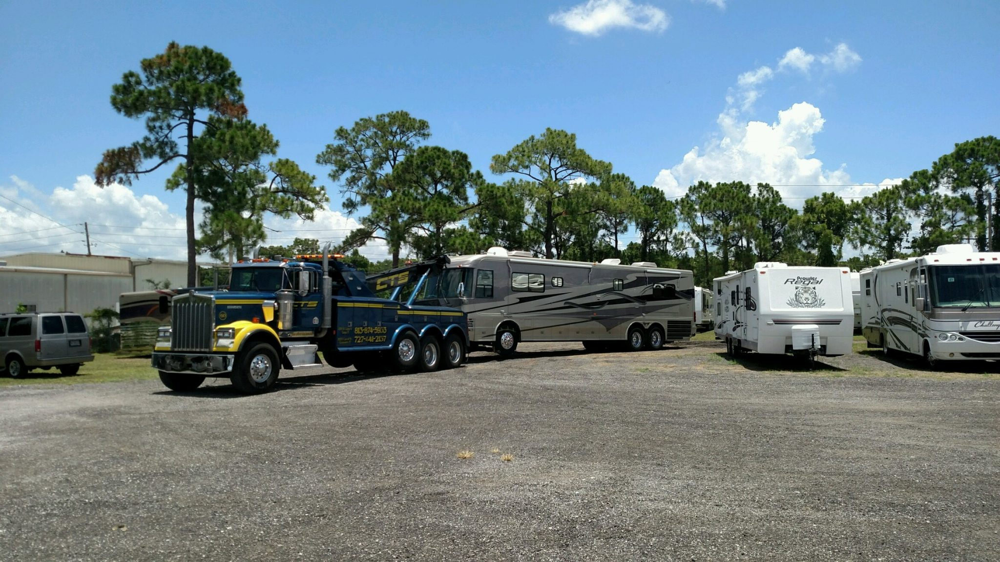 Heavy duty Parliament Coach by CTS Towing