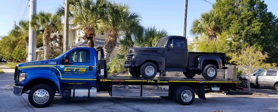Rollback towing a old pick up